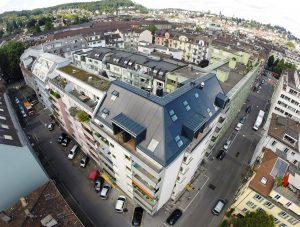 Die Arbeitsgruppe mit Adrian Kottmann hat ihre Idee eines Tarifsystems mit Schätzung des Eigenverbrauchsanteils am Beispiel dieses Mehrfamilienhauses in der Stadt Luzern errechnet und simuliert. (Quelle: BE Netz AG)
